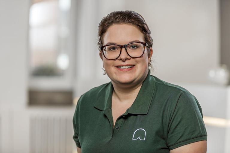 Zahnärztin Willich - Dr. Held - Team - Jennifer Ritter