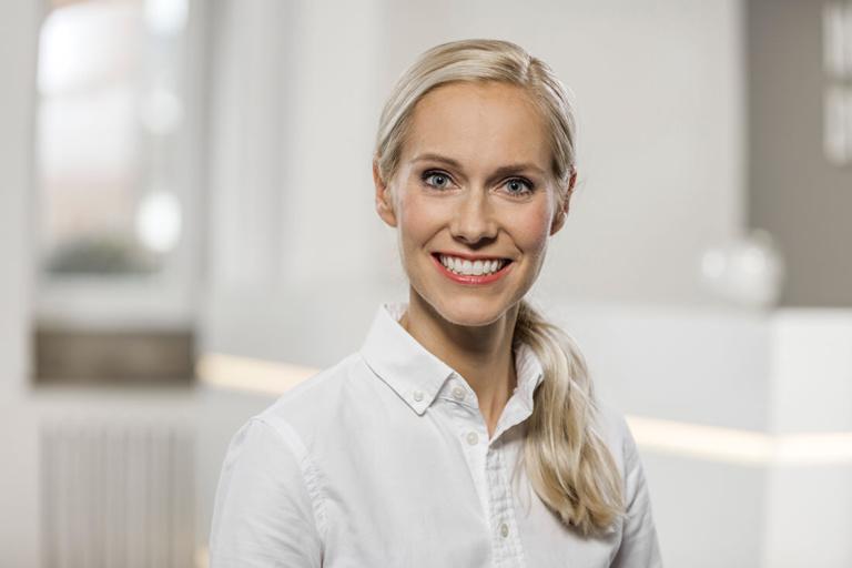 Zahnärztin Willich - Dr. Held - Team - Portrait von Dr. Marie Isabel Held