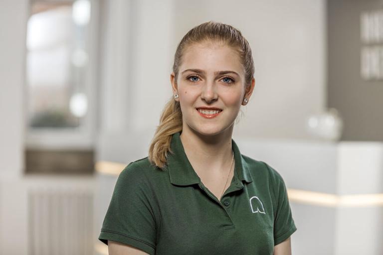 Zahnärztin Willich - Dr. Held - Team - Samantha Brockmann