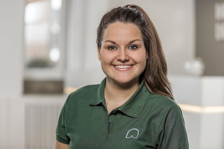 Zahnärztin Willich - Dr. Held - Team - Sarah Wilms