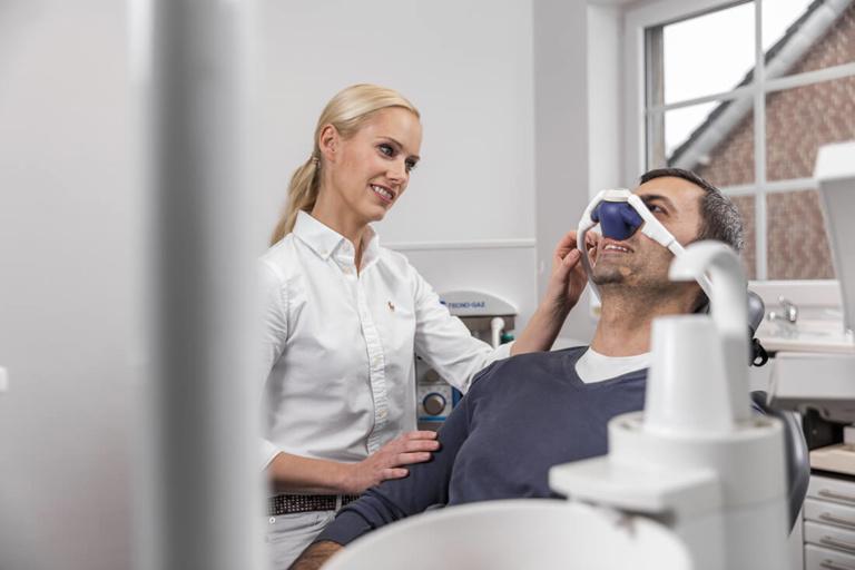 Zahnarztangst Willich - Dr. Held - Behandlung mit Lachgas